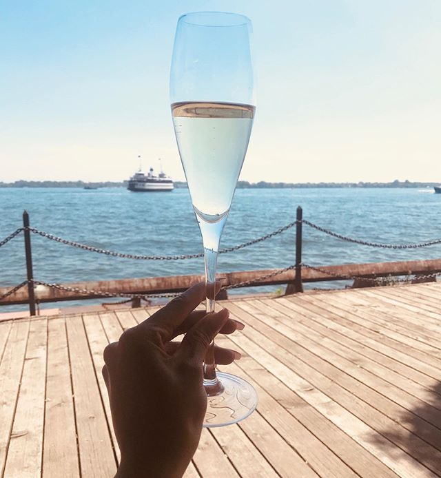 Meet me down by the dock 🥂✨ . 🌐www.MetropolitanGFE.com . . I LIVE for gorgeous summer days like this!☀️ La belle fin d'une journée magnifique avec @prolificnature - what an amazing photoshoot experience! 📸  #Yatching #Sailing #Champagne #summertime #luxurylifestyle #Girlfriendexperience #ebonygirls #blackmodels #mensstyle #addilyncastle #travelcompanion #torontocompanion #fmty #daylife