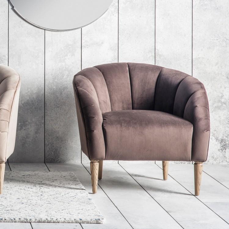 Velvet chair old pink.jpg
