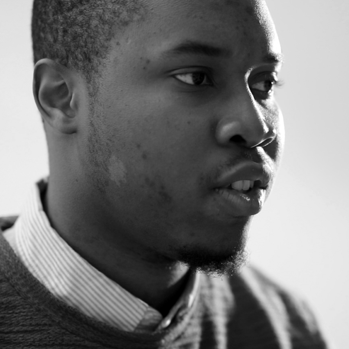 Setor Tsikudo, Accountant/Photographer