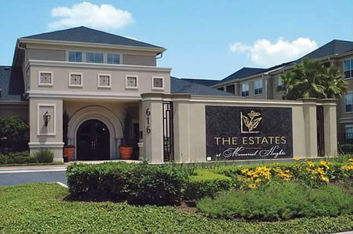Estates at Memorial Heights - Houston, TX • 437 Units • Residential • Acquired 2000 • Sold 2004