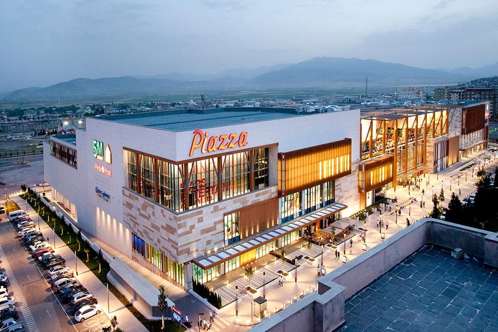 PIAZZA MARAS SHOPPING CENTER - Maras • 52,000 sqm • Retail • Acquired 2011 • Sold 2018