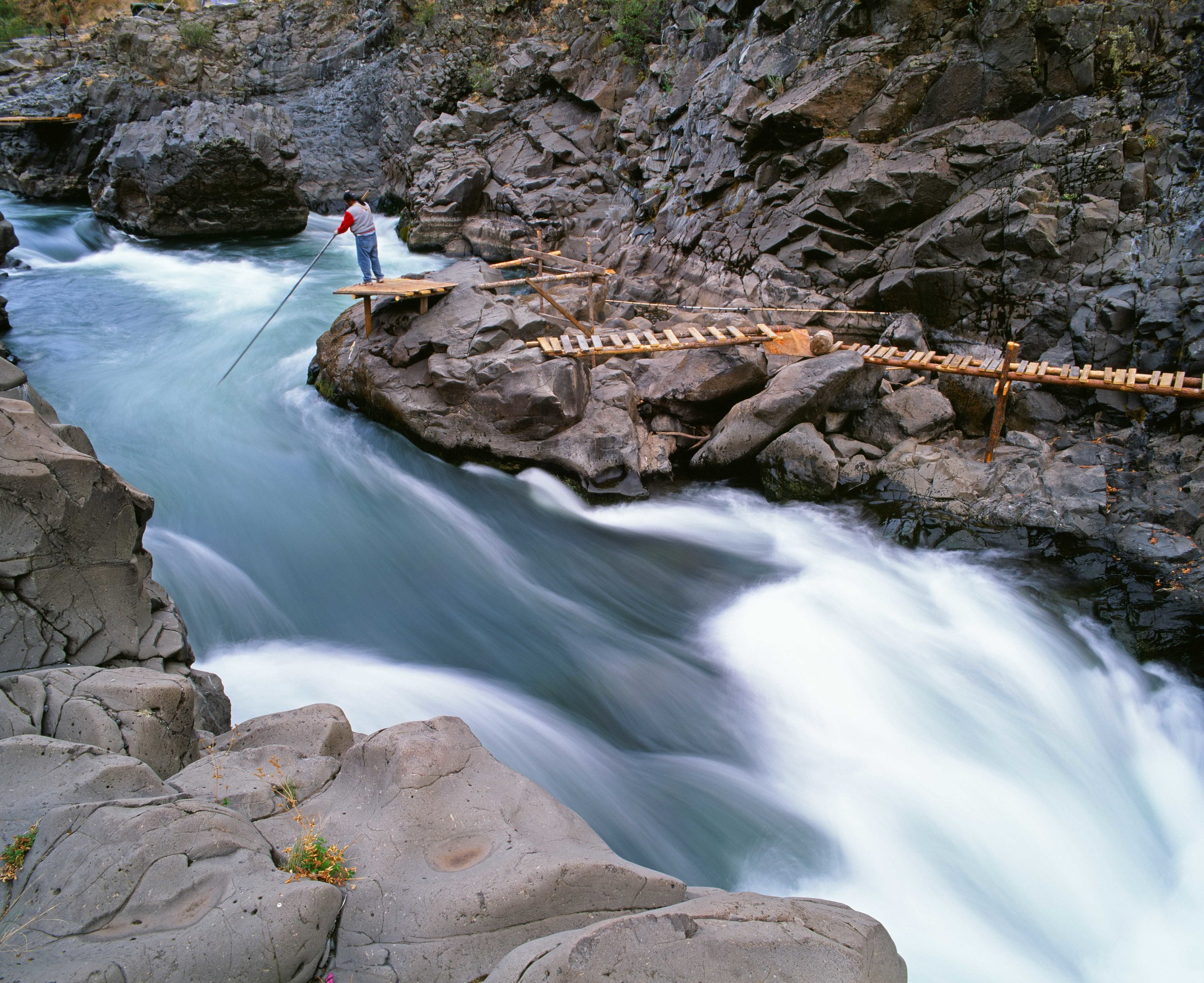 Yakima dip net fisherman on the Klicktitat River,WA.jpg