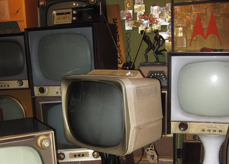vintage 50's TV sets 1950's television sets