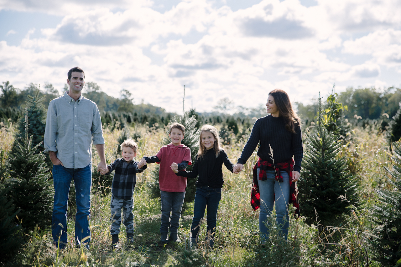 I abostluely love this effortlessly styled look on this family and the way they tied in both plaid and camouflage into their shoot! The little extra touch of the plaid button up on mom's waist is fun and playful while also adding visual interest.