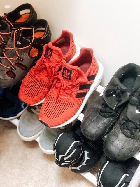 shoeorganizerincloset.jpg