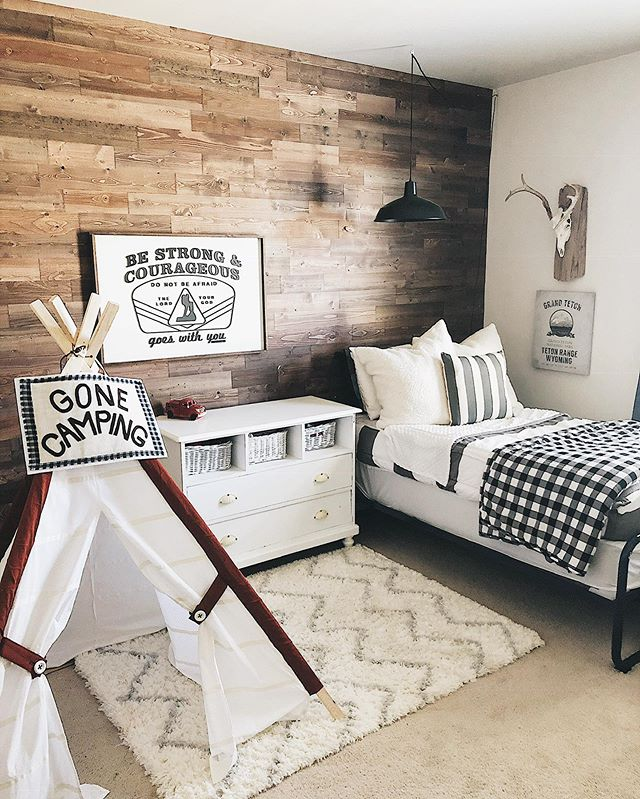 Happy Tuesday friends😆!! One of my favorite ways to add interest and depth to a room is by creating an accent wall🙌🏻! This wall in Paul's room has done just that. There are so many ways to create an accent wall from wallpaper, to murals and white shiplap to dark wood it is a great way to add character to your home👏🏻. We've enjoyed the herringbone wall in our room too and I am looking forward to a new project for another wall coming soon😍! Do you have an accent wall you've done in your home? I'd love to hear about it!🙌🏻 Paul's bedding is linked in my profile, simply tap link to check it out.  Wishing you a beautiful night friends 💗!!! #bedroomdecor #bed #beddysbeds #beddys #boysroom #kids #kidsroom #momlife #momsofinstagram #zipperbedding #farmhouse #farmhousestyle #farmhousedecor #rusticdecor #rustic #cottagestyle #homesweethome #diy #family #neutraldecor #homedecor #cozy #cozyhome #instagood #instahome #modernfarmhouse #fixerupper #fixerupperstyle