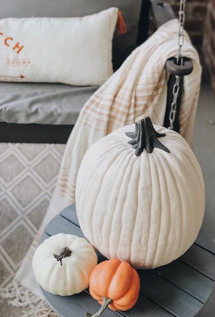 pumpkinsandswing.jpg