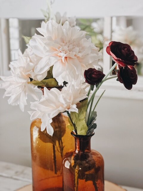 floralsinambervase.JPG
