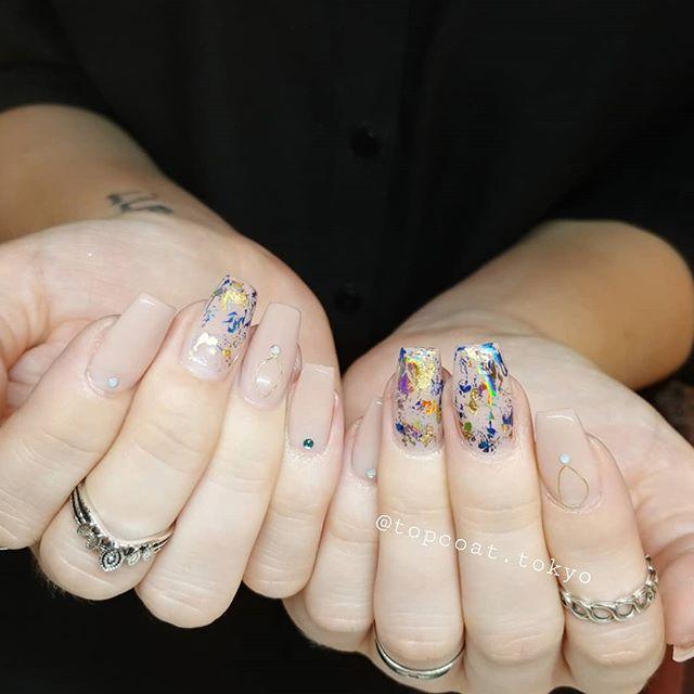 #フォイルネイル したよ✌🍒🎐#nails #tokyo #tokyonailsalon #ombrenails #ombre #表参道 #ネイル 🐱