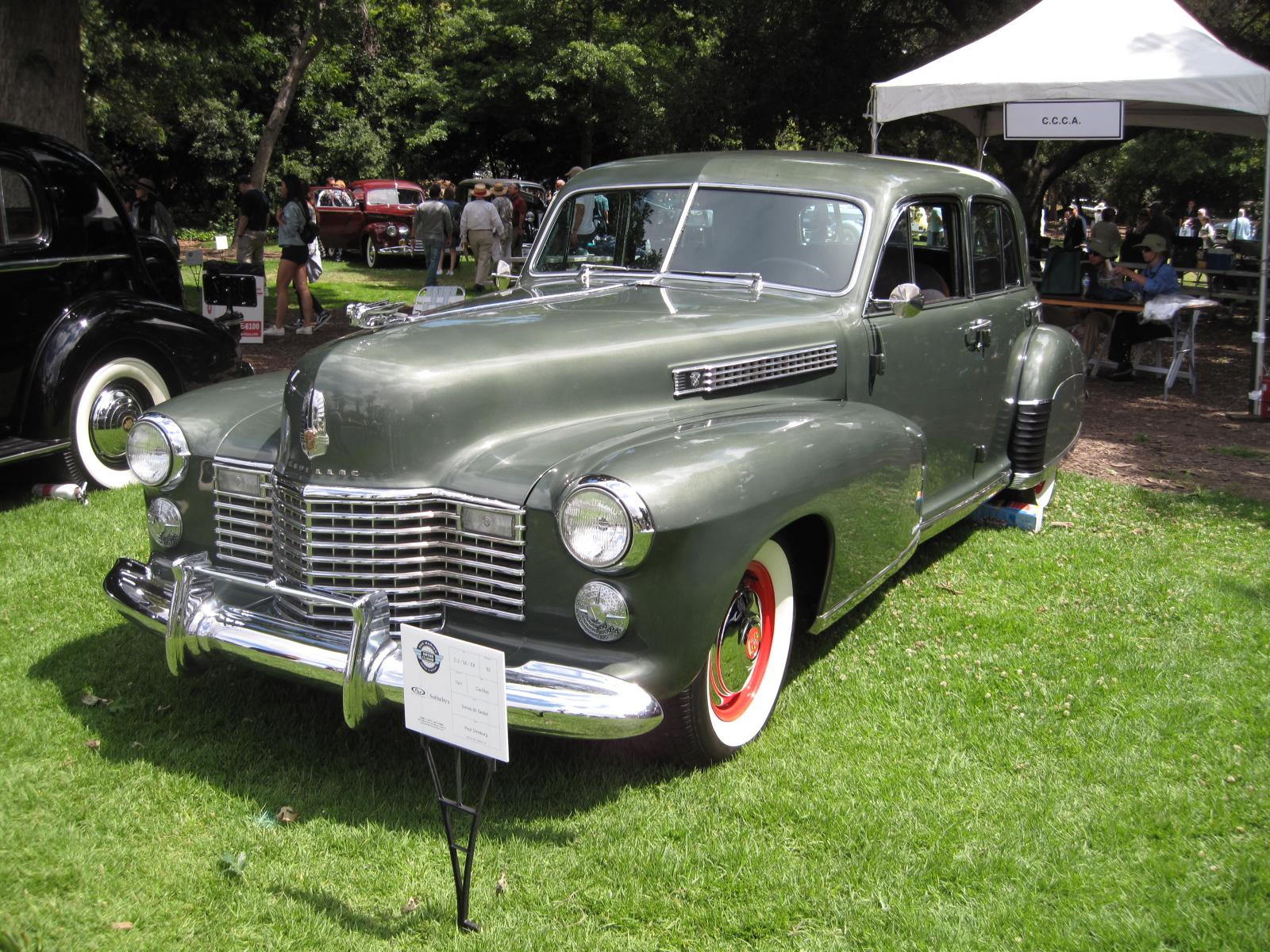 1941 Cadillac 60 Special Paul Ginsburg.JPG