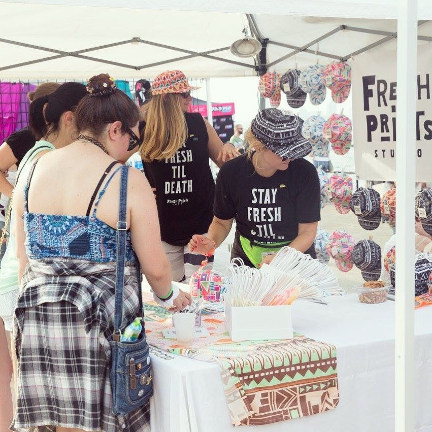 Fresh Prints Studio is the official online retailer for 90sFest - Here I am with my bestie, Taylor, doing are thing at the Festival in NYC