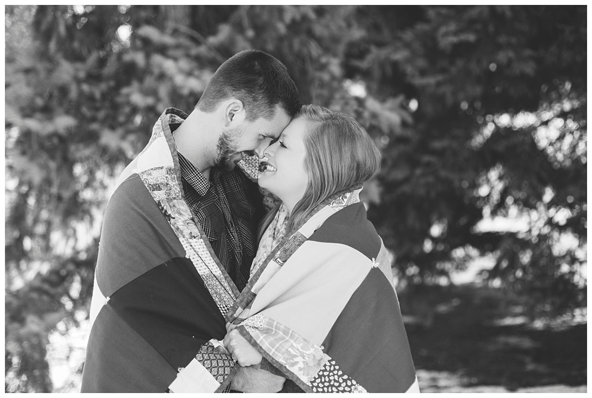 bphotography_winter_siouxfallsweddingphotographer_halfbakedengagementsession_0007.jpg