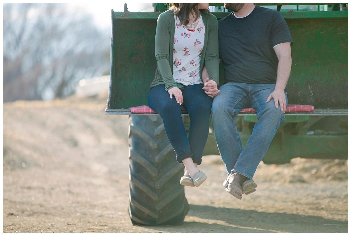 FarmEngagement_BethanyMelvinPhotography_SouthDakota_0005.jpg