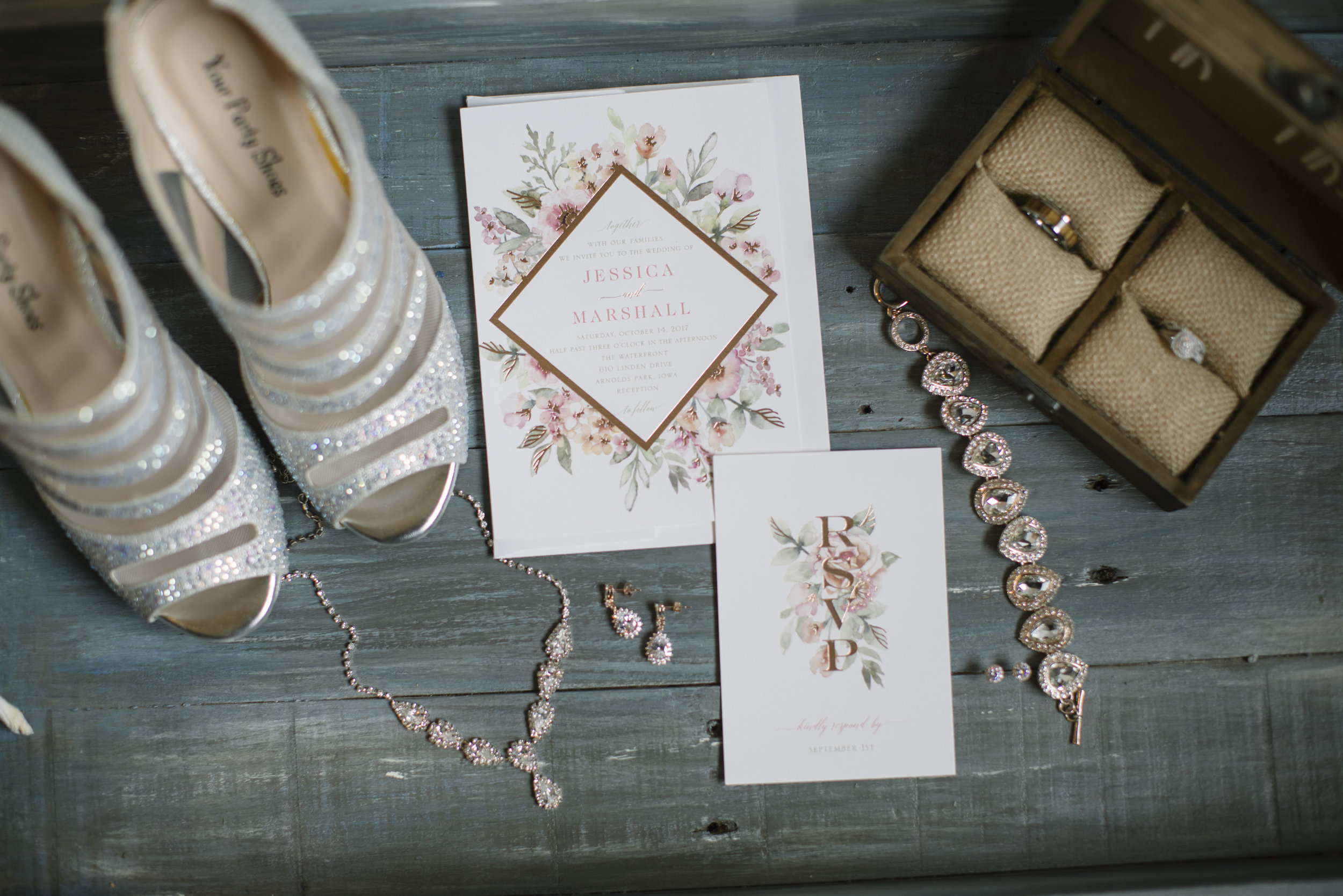 Bethany Melvin Photography | Twin Cities Wedding Photography