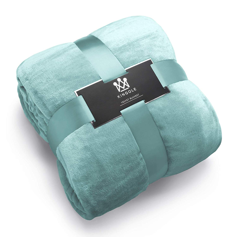 Flannel Fleece Microfiber Throw Blanket (Amazon)