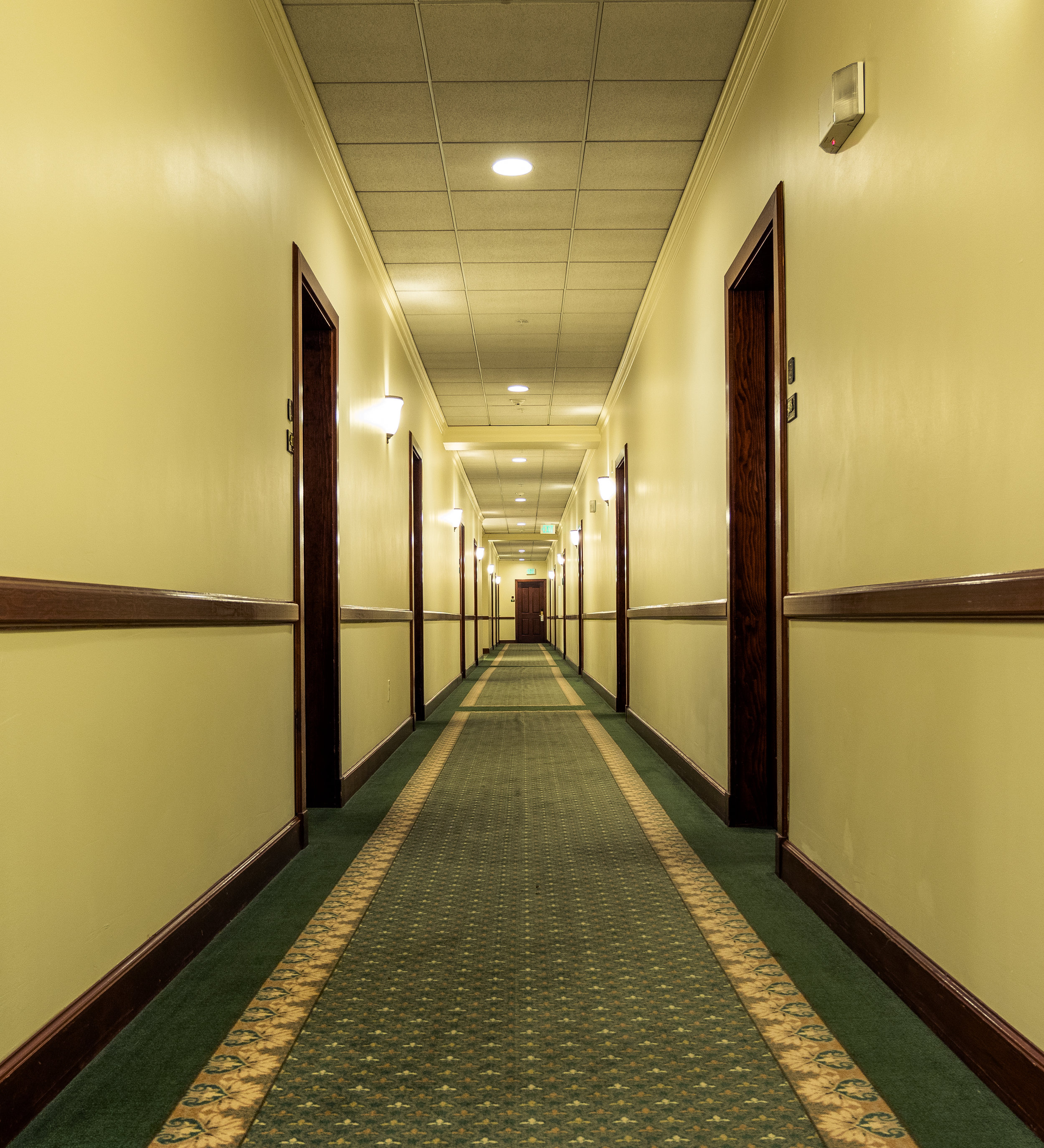 Best Western hallway - Pioneer Square, Seattle - Nathaniel Barber Blog