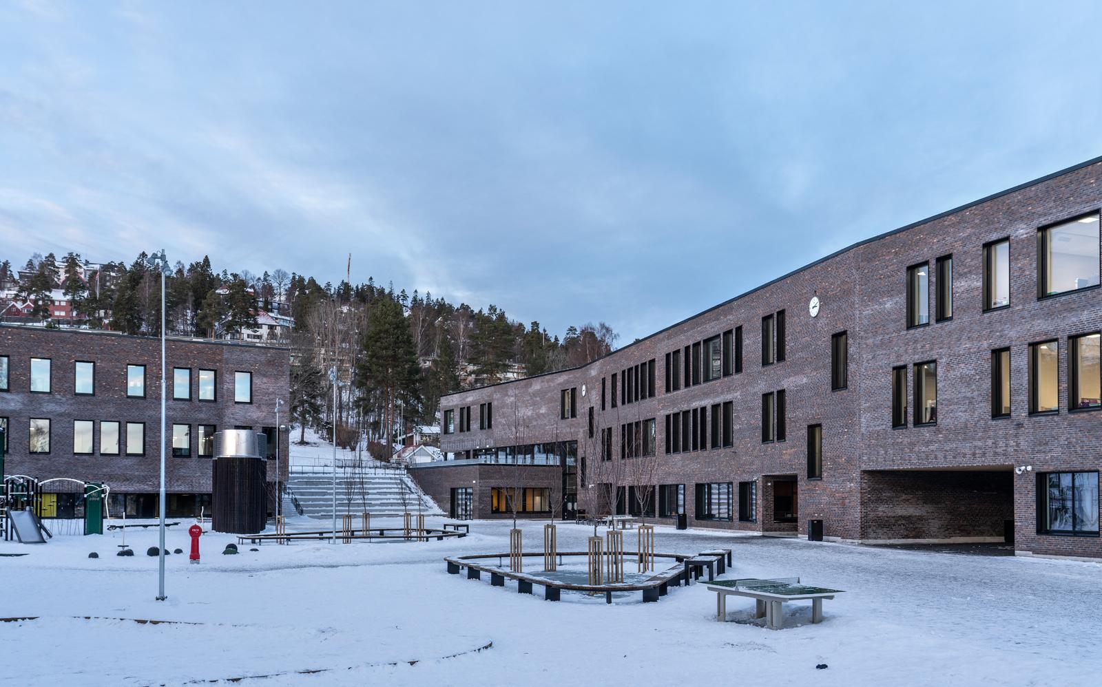 Holmen-skole-04.jpg