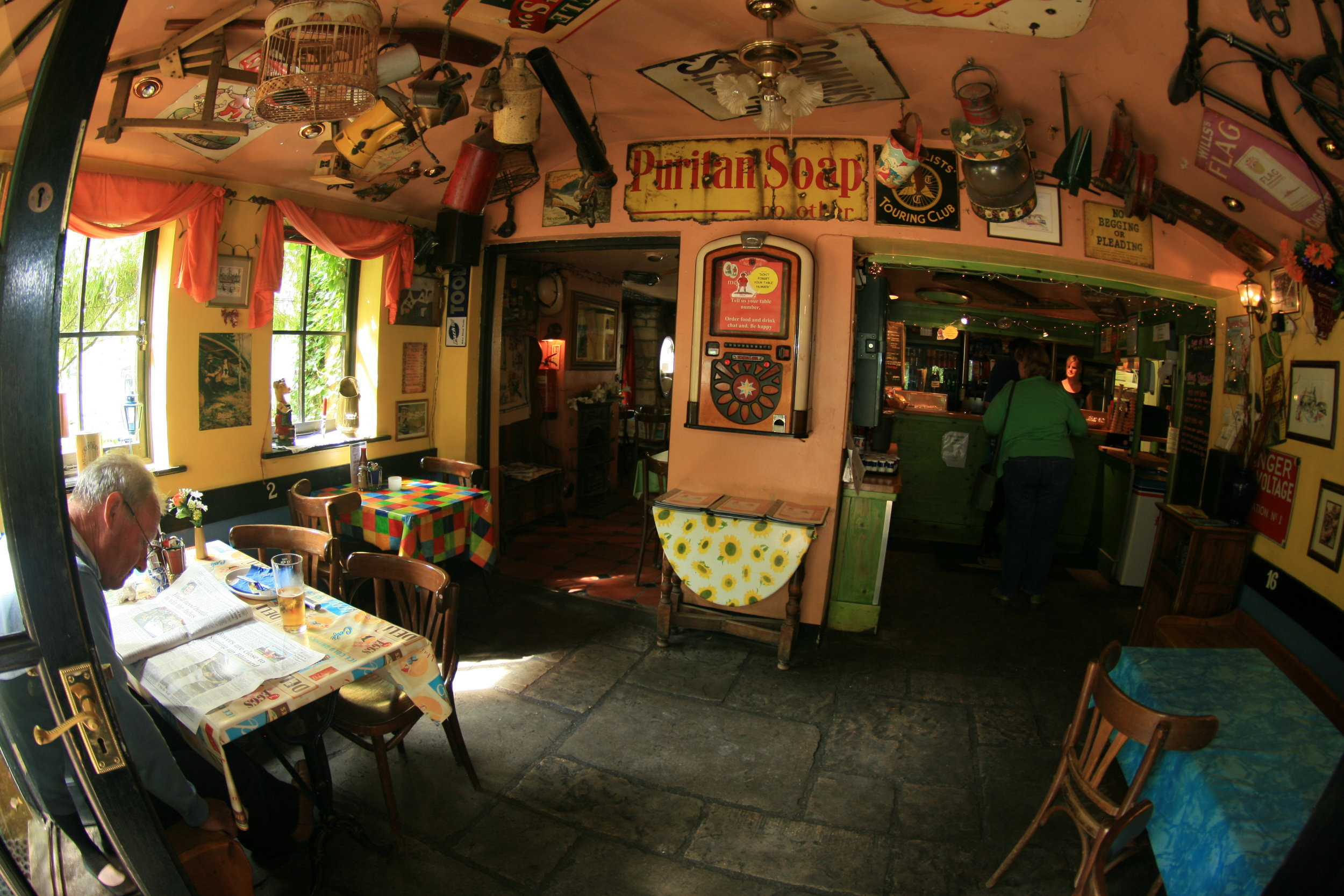 CAFE (inside - fishtail lens) 2009 (3).JPG
