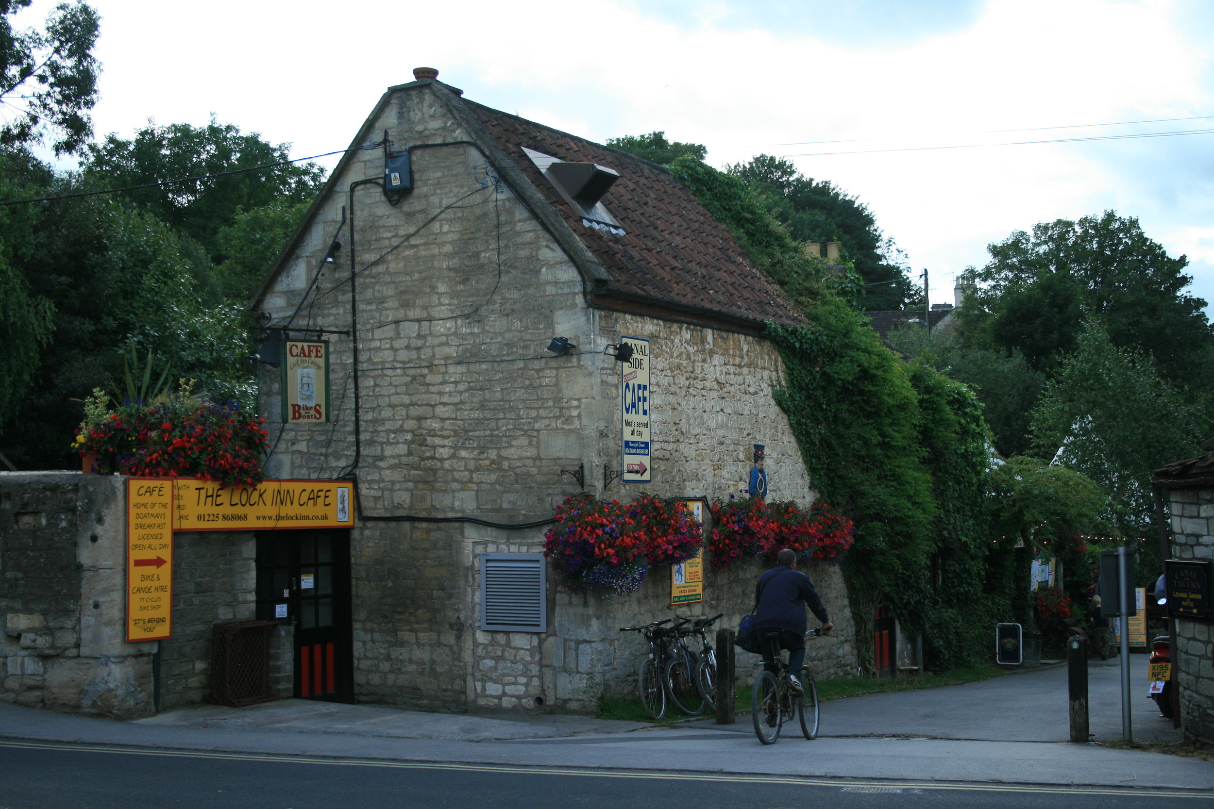 CAFE (from road) 2009 (2).JPG