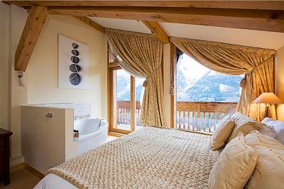 Yoga retreat bristol yoga centre Chamonix Mont Blanc room