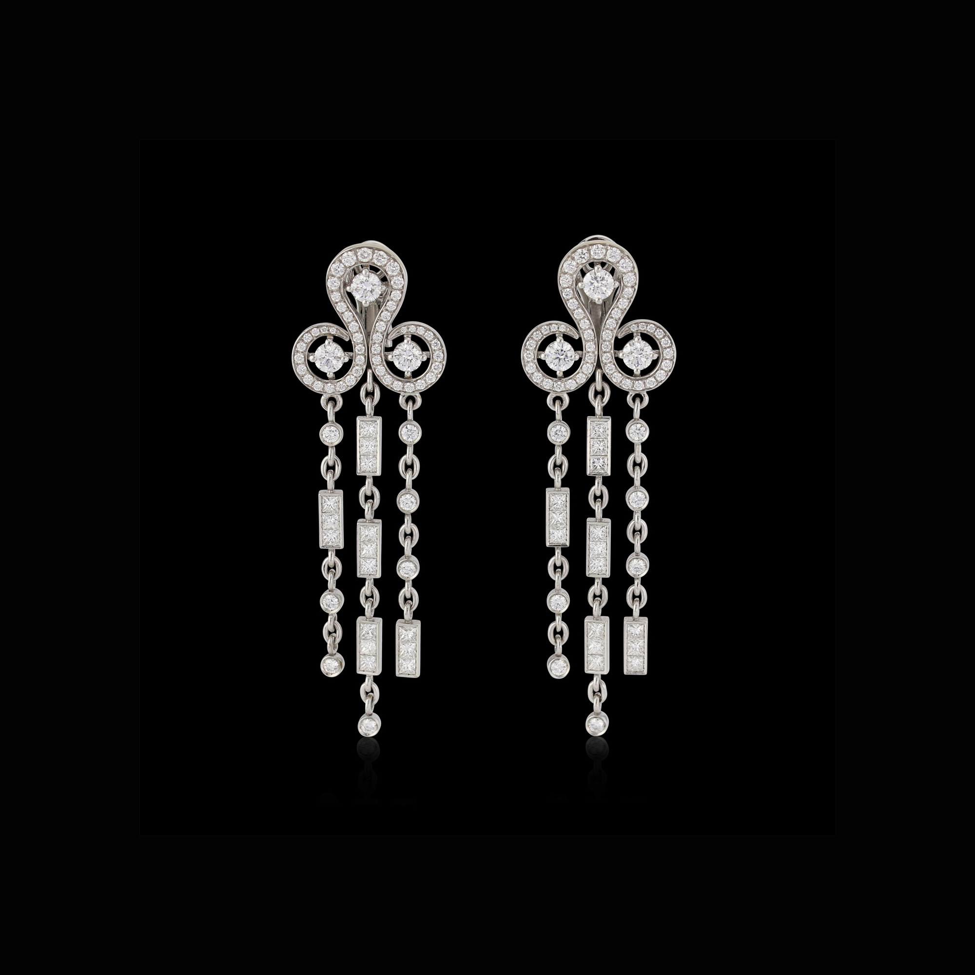 Code by Edge chandelier 'LOVES' earrings