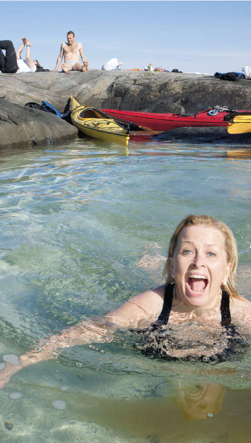 NESTEN KARIBIA: Hvit sandbunn og krystallklart vann lokker til et forfriskende bad. Vanntemperaturen på 12–13 grader gir tydelige signaler om at du ikke befinner deg på en sydhavsøy! Foto:Kristin Folsland Olsen