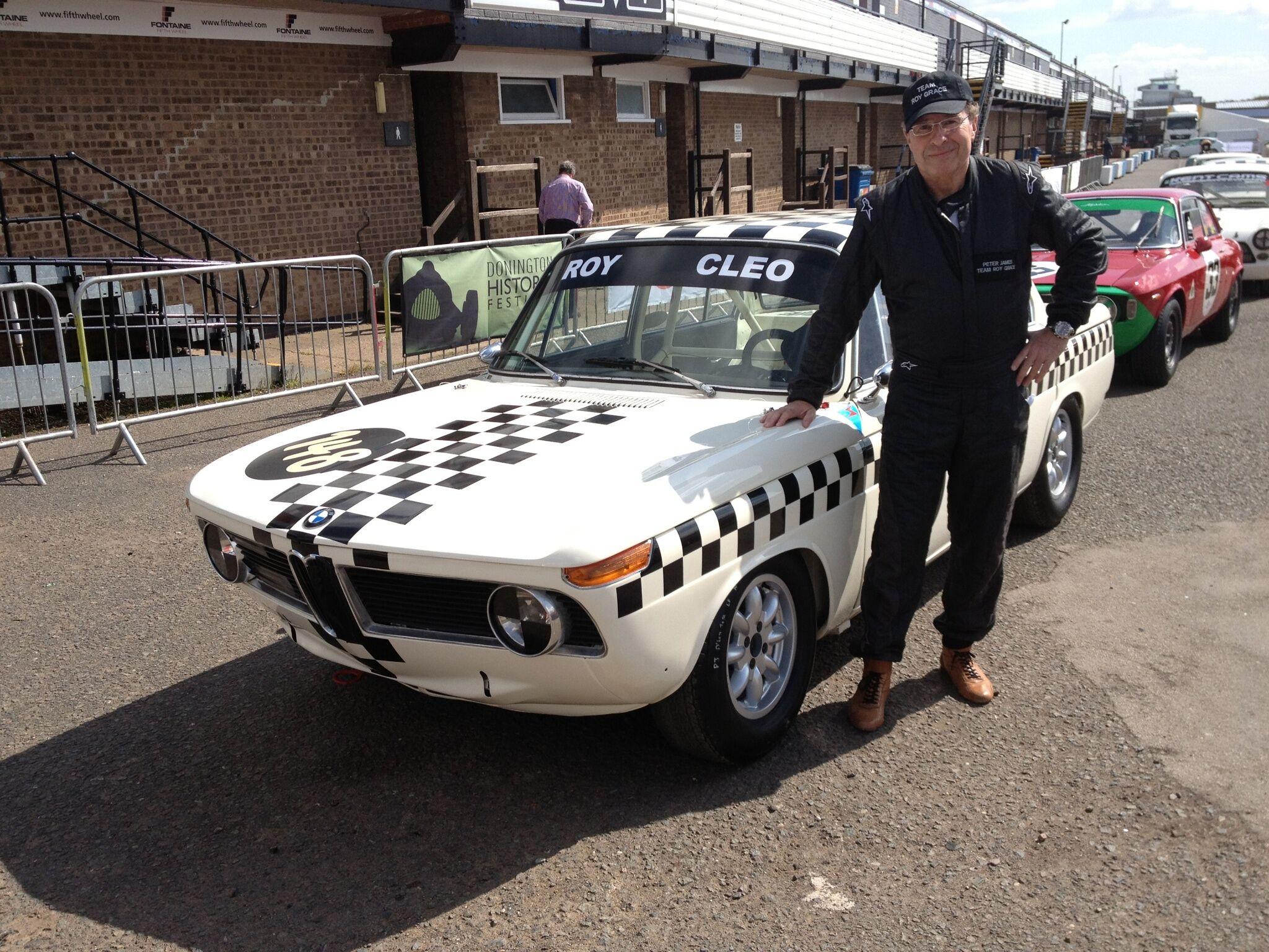 Peter James lettsindige hobby: Racerbilsjåfør