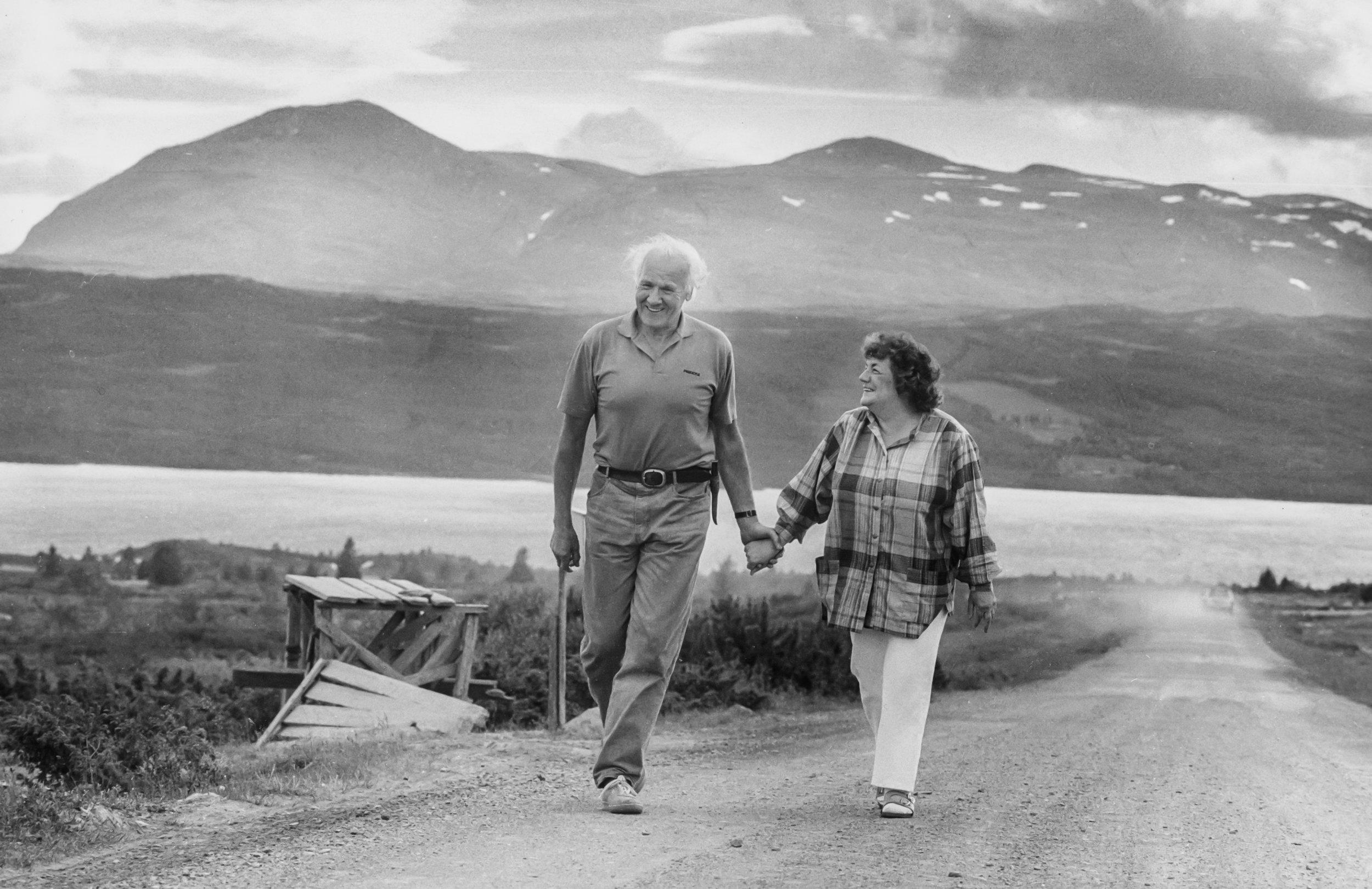 «– Margit er utrolig», sa Asbjørn til den svenske avisen Expressen som fotograferte dem i Grunke i 1986. Da hadde de vært lykkelig gift i 40 år. Foto: Cornelia Nordström, Expressen.