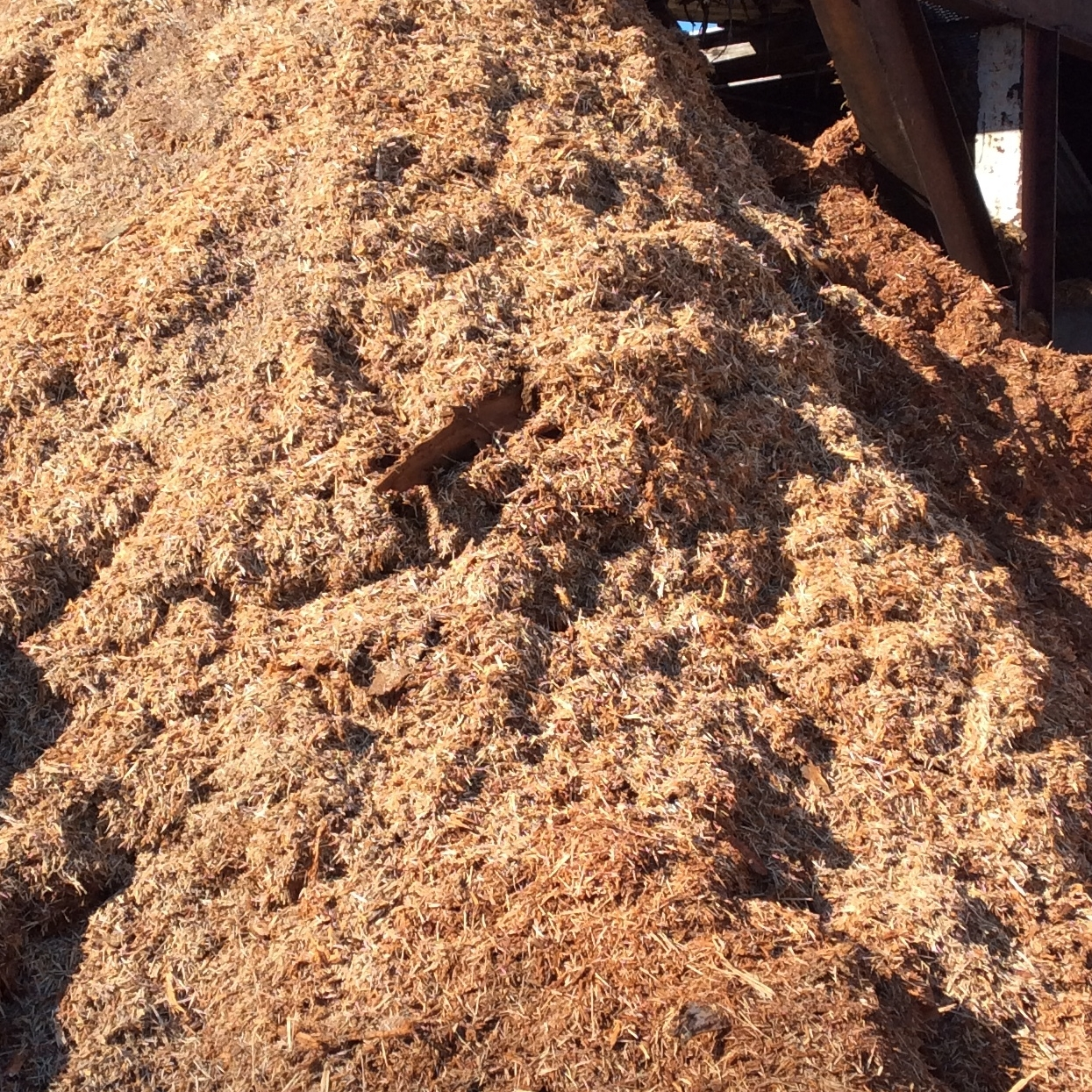 Fresh Natural Mulch: $19.00 YardAn Organic productStarts out whiter and will discolor with age -