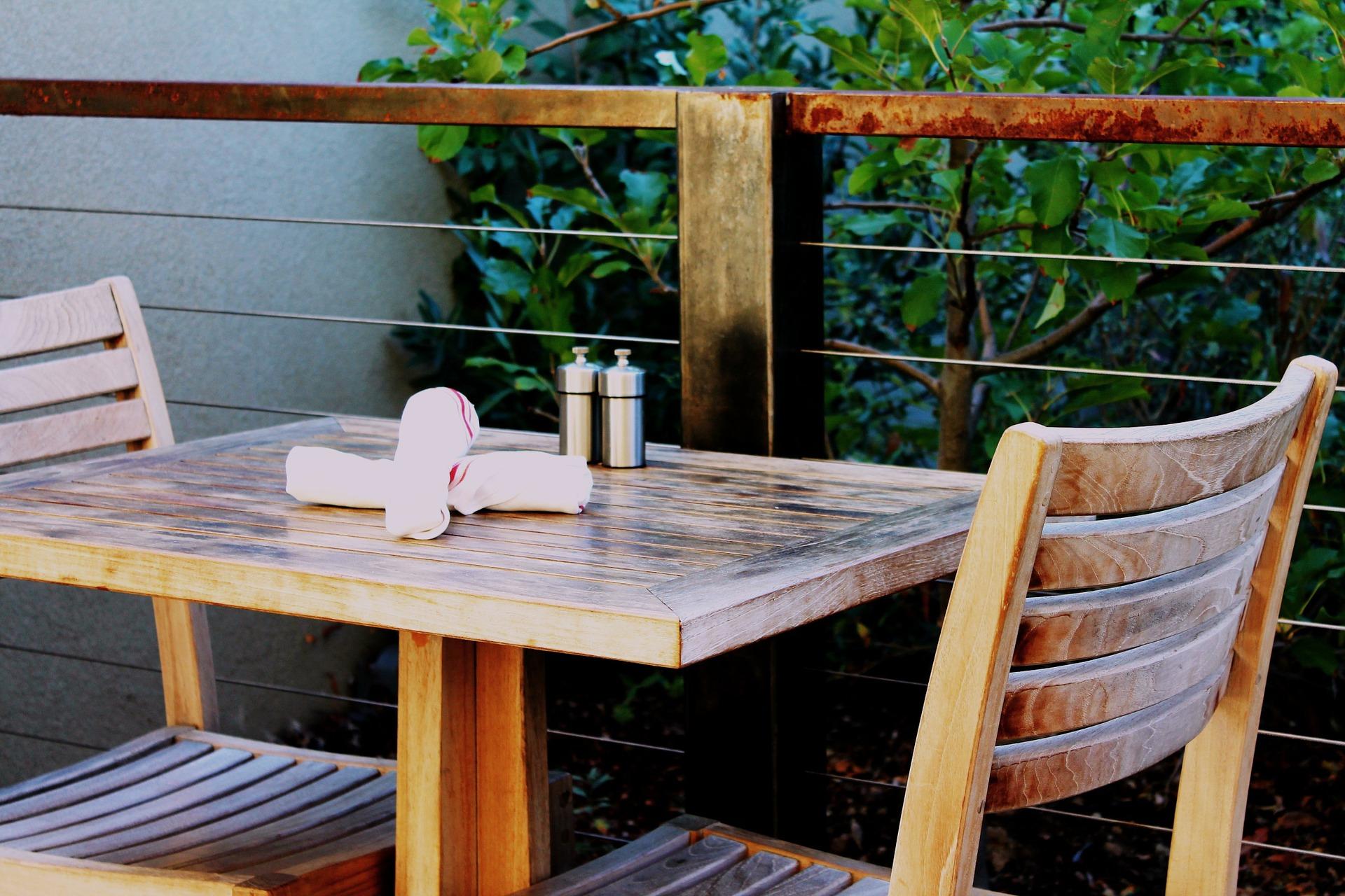 patio-table-1397535_1920.jpg