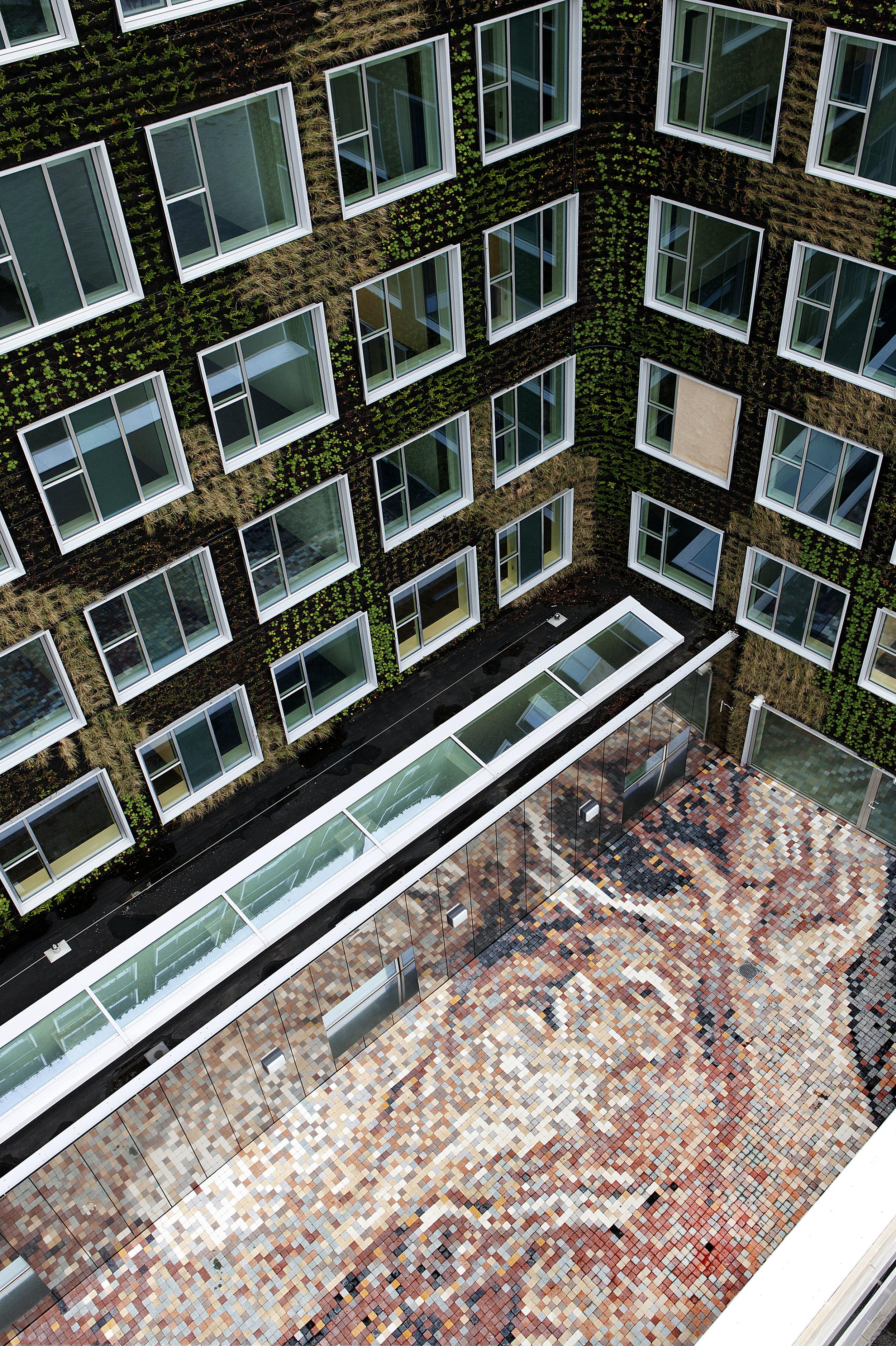 Evil: The abduction of Hippodamia, concrete tiles, 700 x 270 cm