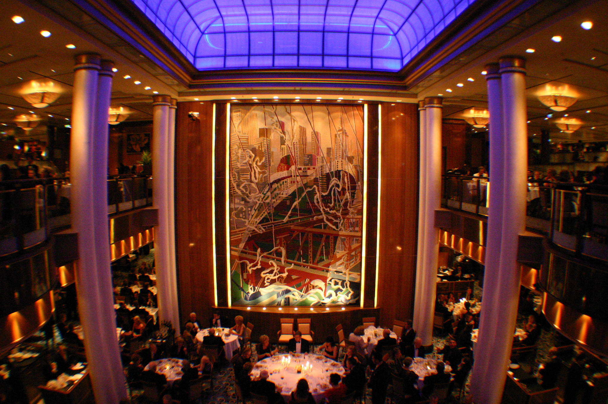 Brittannia restaurant, Queen Mary II