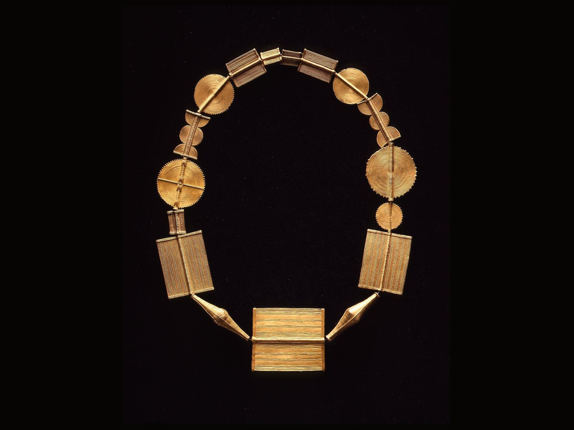 .... Original baoulénecklace from Ivory Coast .. Collier baoulé de Côte d'Ivoire ....