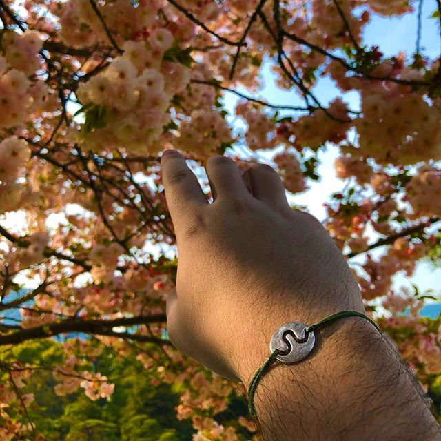 Catching spring blossoms ✨  Celebrate spring with our B-Muse - also available in black, red, and blue 💥 {link in bio}
