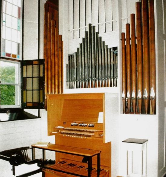 Warren A Cross Memorial Organ.jpg