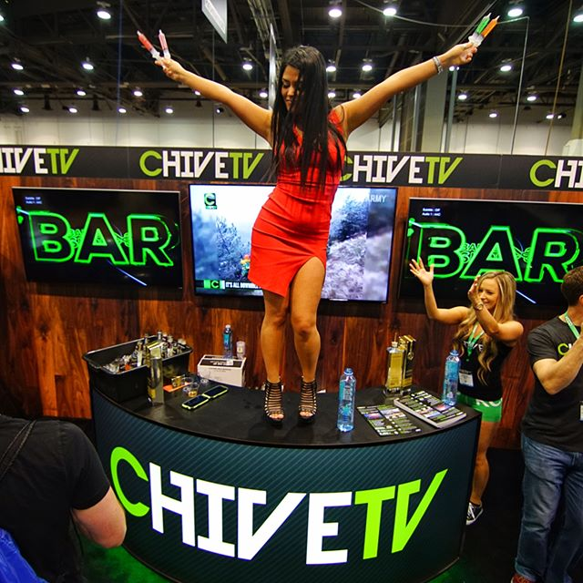Shoutout to @chivetv for being fucking rad. PARTY WITH US. #RISQenergy #partywithus #thechive #chivette #chivenation #ncbshow17 #ncbshow2017
