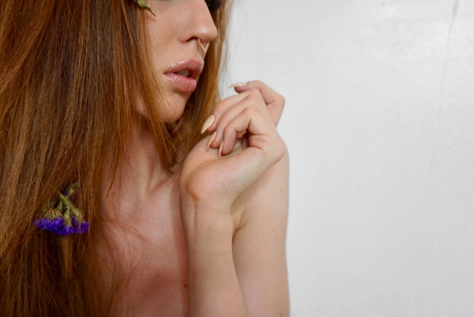 Nails by @DippyCowNails, Wearing @DuwopCosmetics Lip Venom, Nose ring by @ElishaFrancis