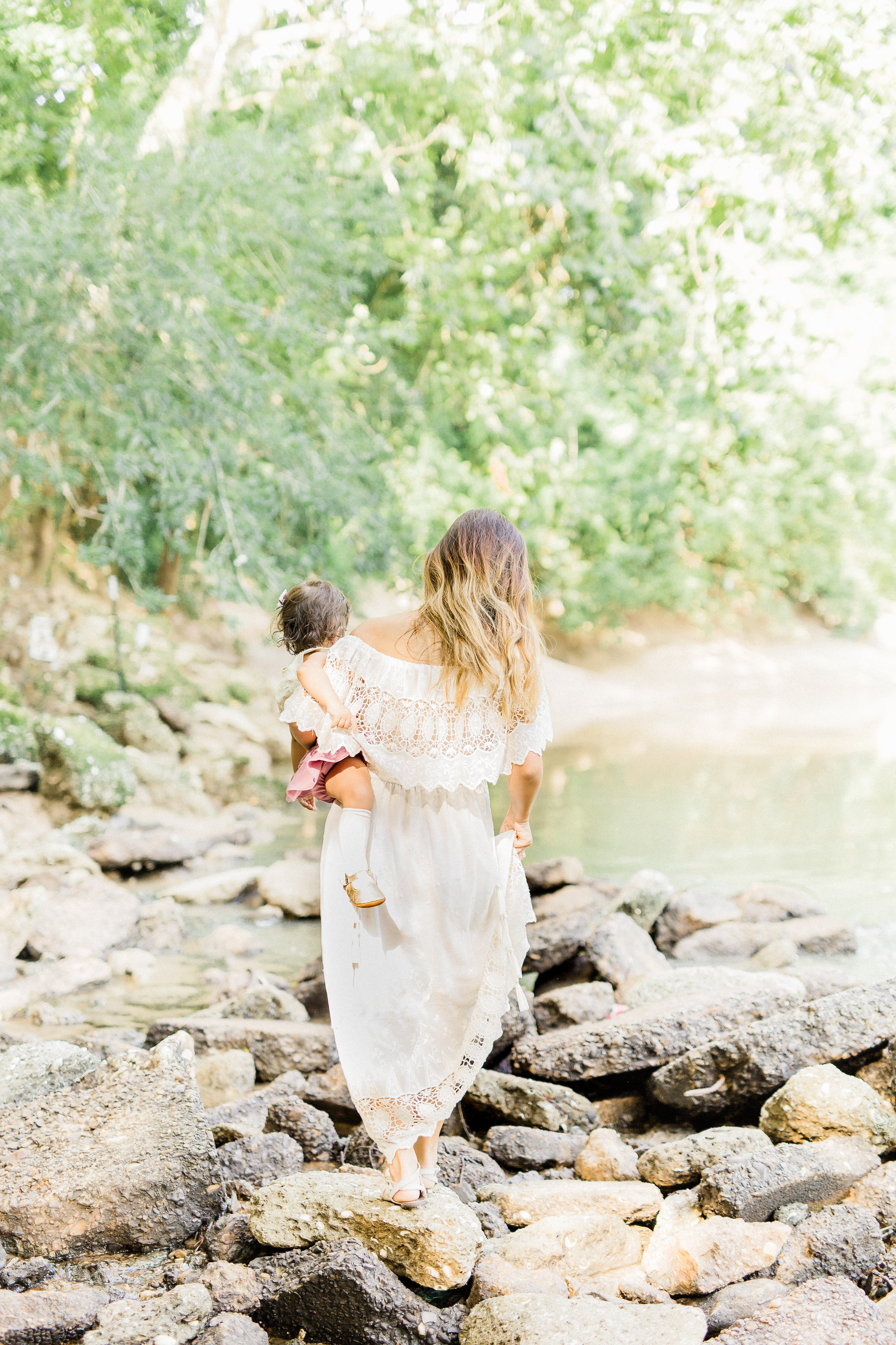 Riverside family picnic hack styled shoot regalo baby
