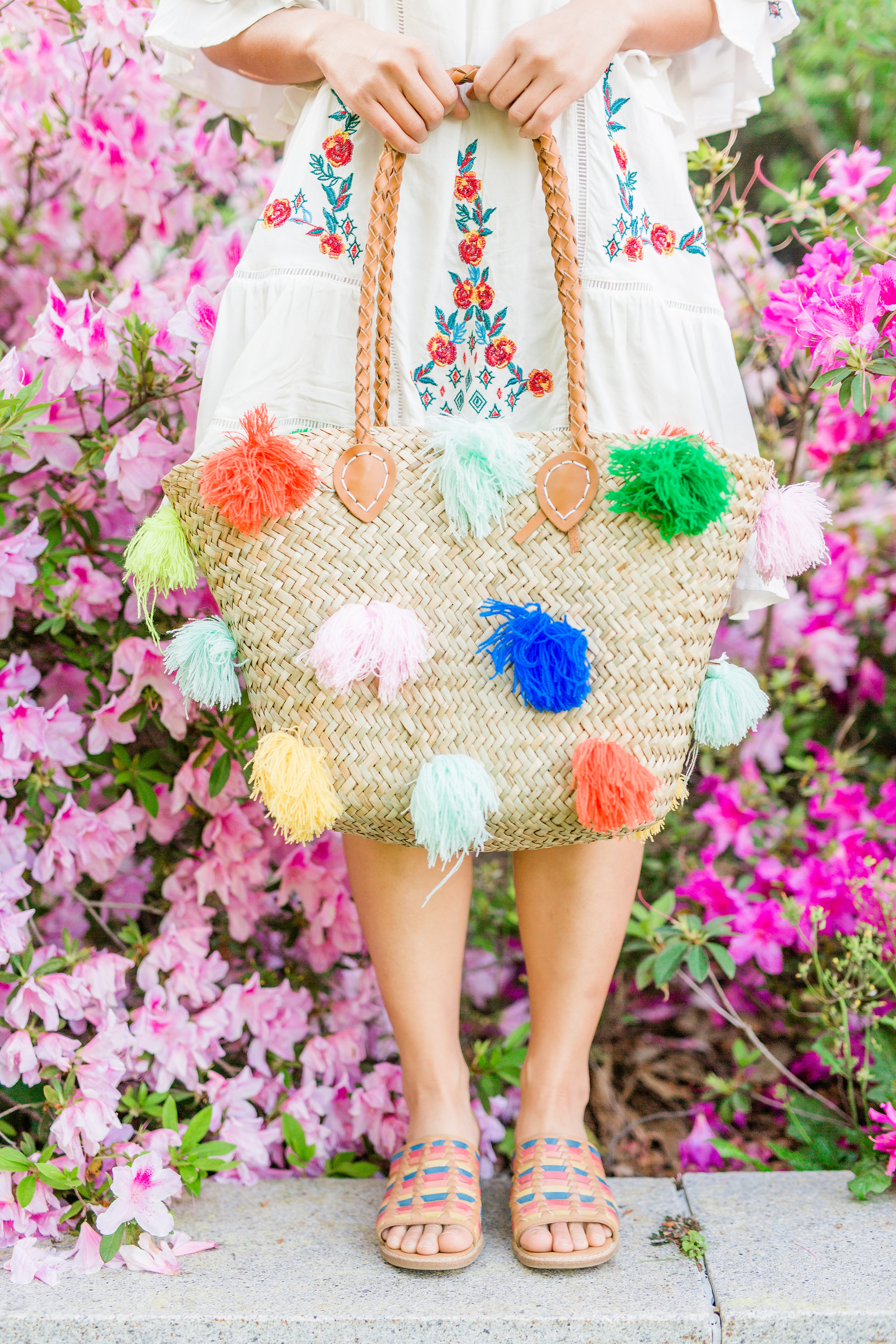 Joyfullygreen Comfortiva Brileigh Houston Azalea Trail Photoshoot. Pom Pom bag rainbow sandals.jpg