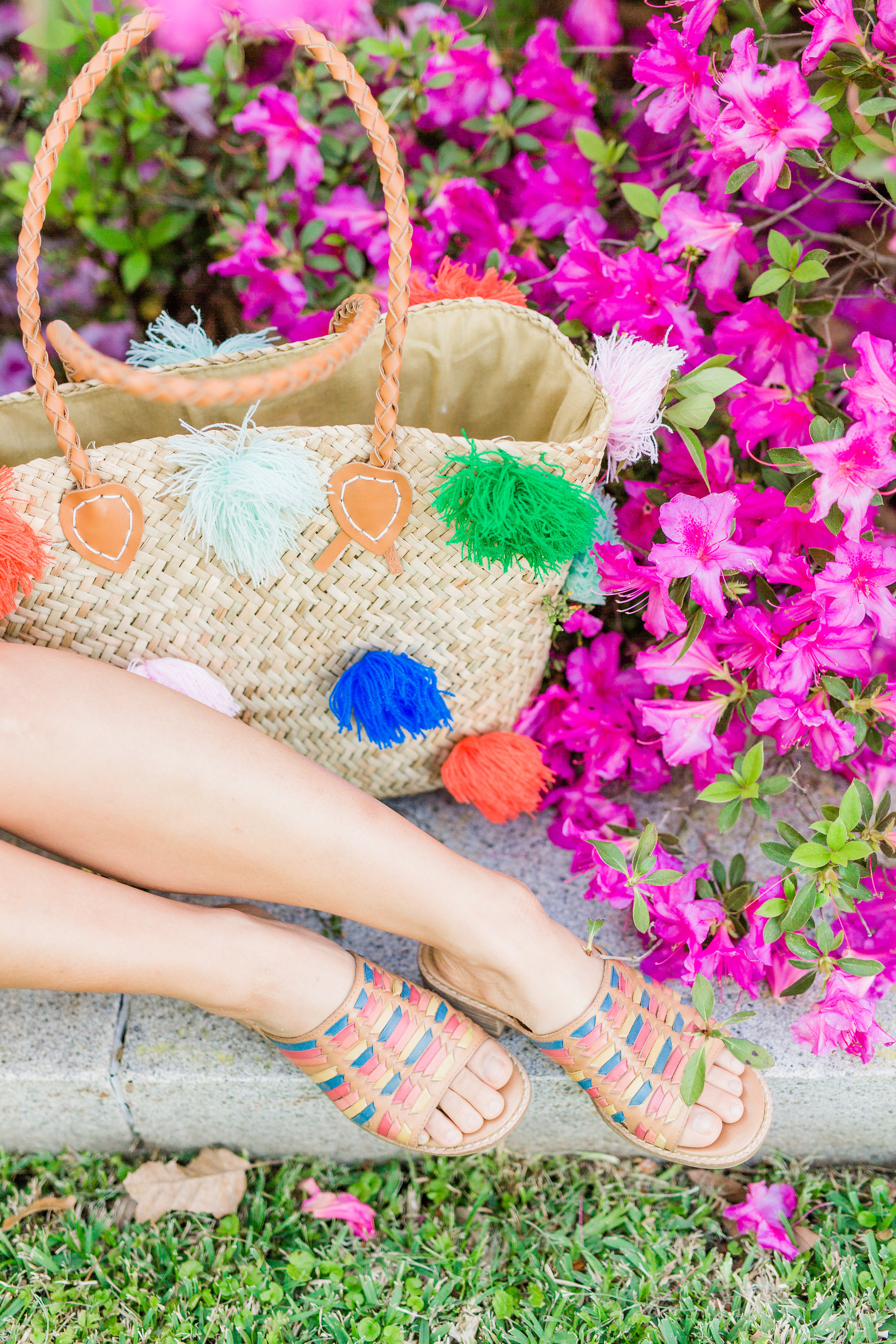 Joyfullygreen Comfortiva Brileigh Houston Azalea Trail Photoshoot. Pom Pom bag rainbow sandals 1.jpg