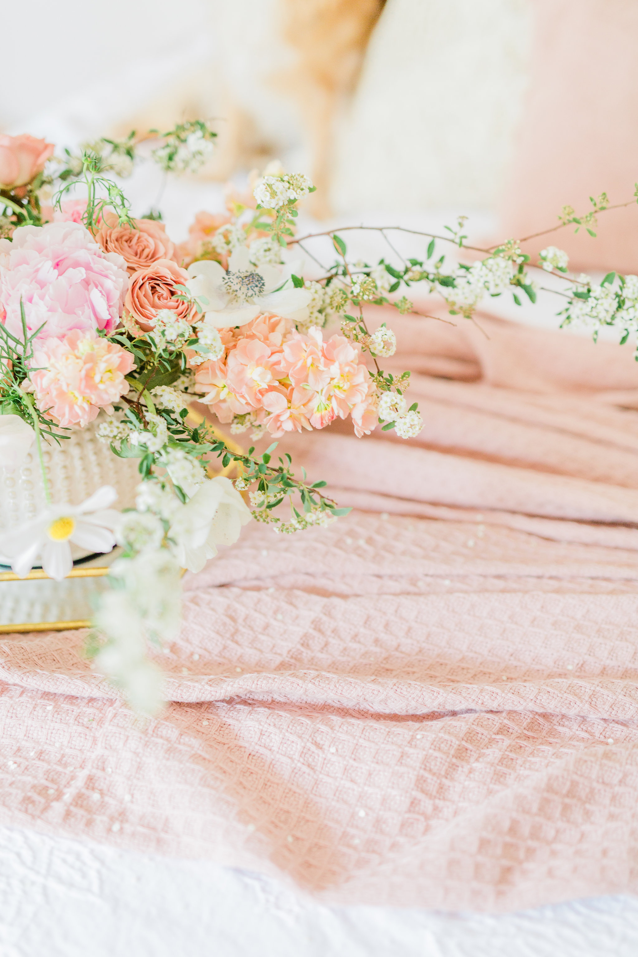 Neutral Blush and White Spring Master Bedroom Makeover, How to make/dress a bed in 3 steps Blush organic Cotton throw