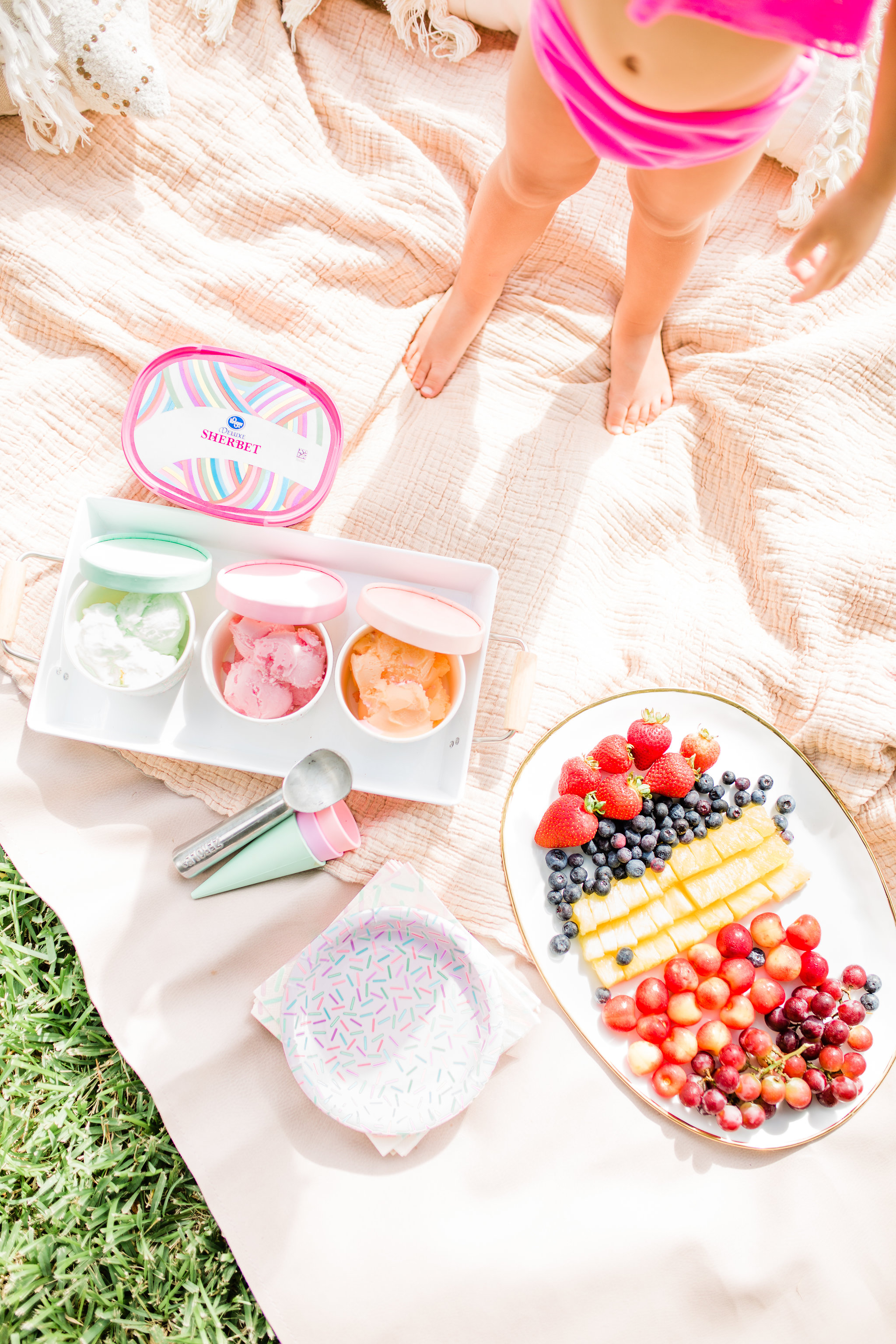 Easy Summer Ice Cream Pool Party You Can Pull off in 30 Minutes icecream bar fruit station