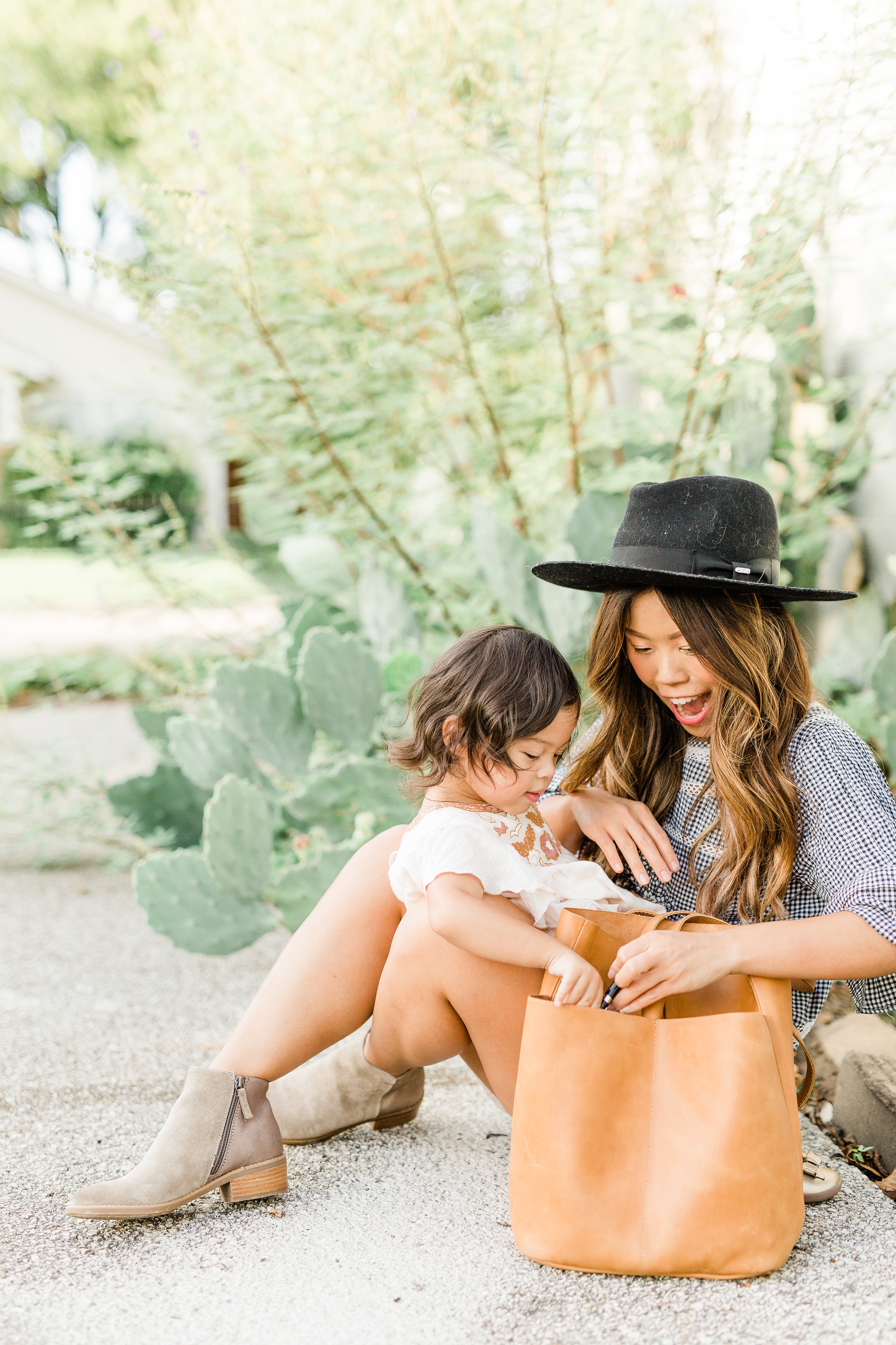 3 Most Instagramable Photo Spots in the Charming Houston HeightsFall Suede Bootie Comfortiva Carrie Mom Blogger