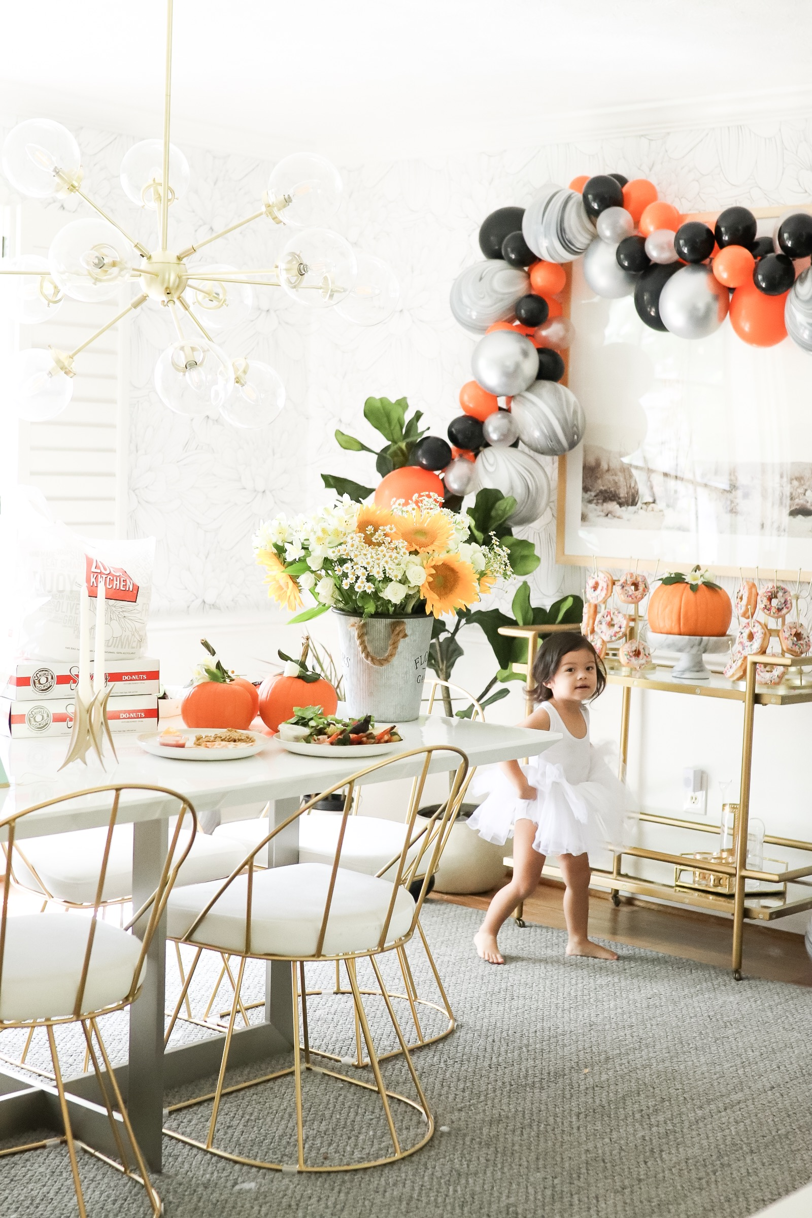 Fall Harvest Donut Party Dining Room Set Up in 30 Minutes Ballon Garland DIY Halloween Thanksgiving Table Set up