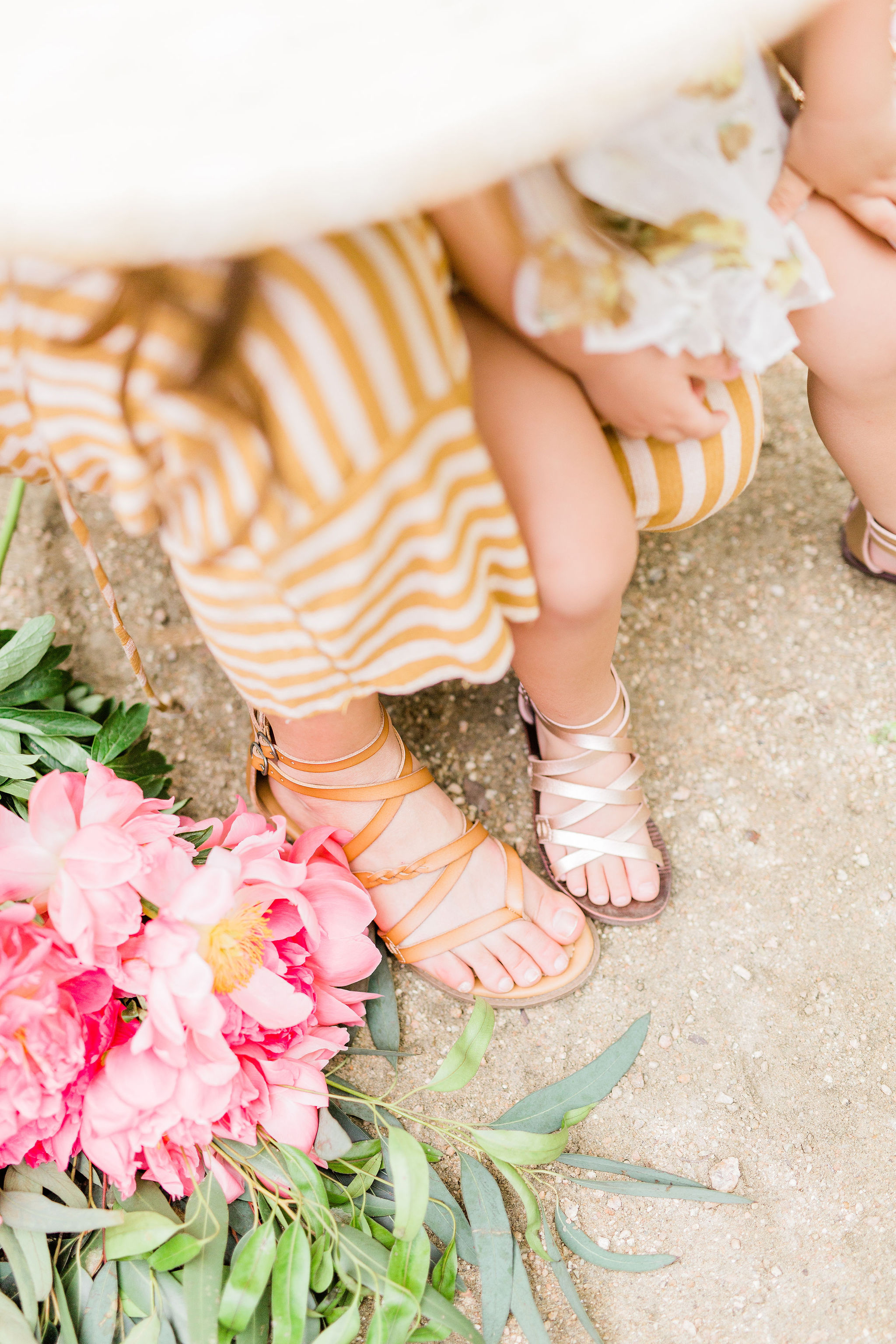 Summer Mommy and Me Outfit Idea – Matching Sandals