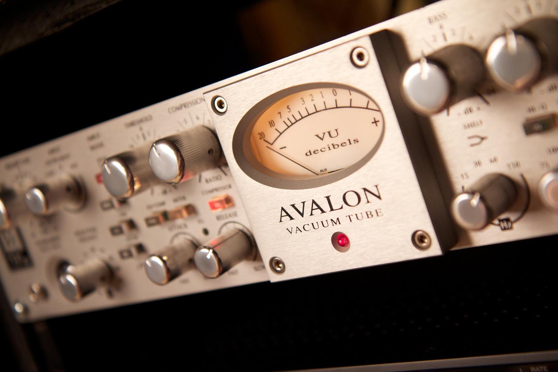 Avalon Design VT737SP