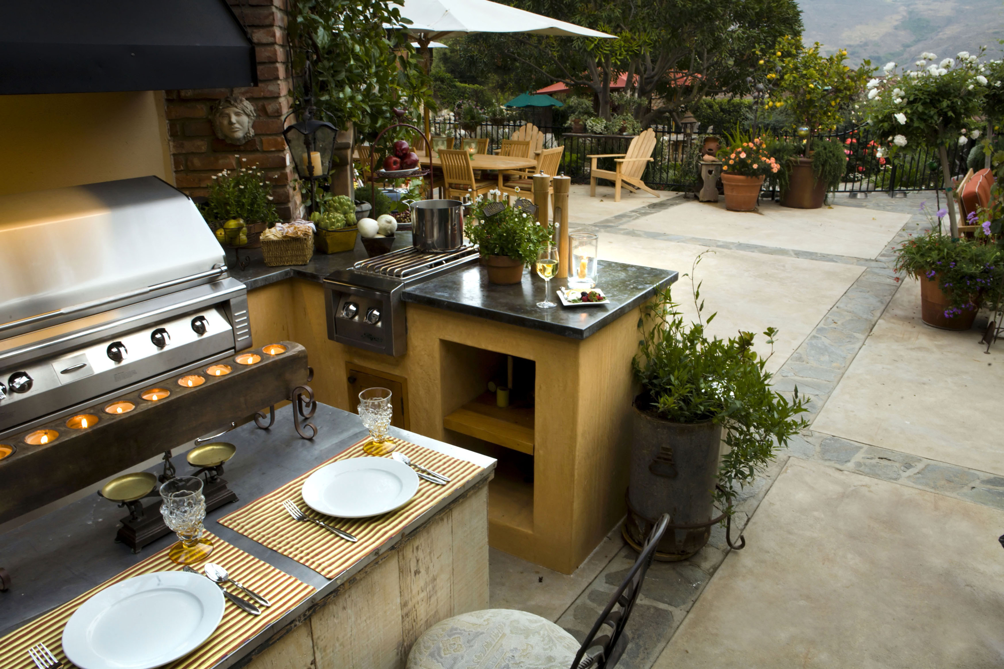 Light-Your-Outdoor-Living-Space-4
