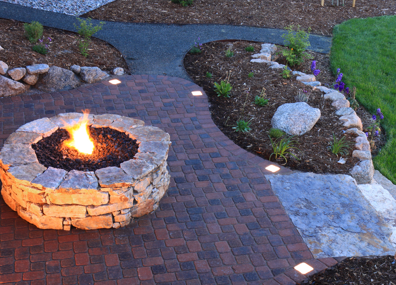 Light-Your-Outdoor-Living-Space-7