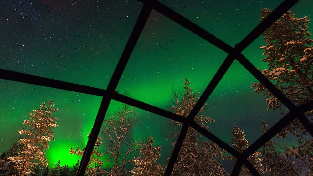 Northern-Lights-from-Glass-Domed-Igloo-at-Kakslauttanen