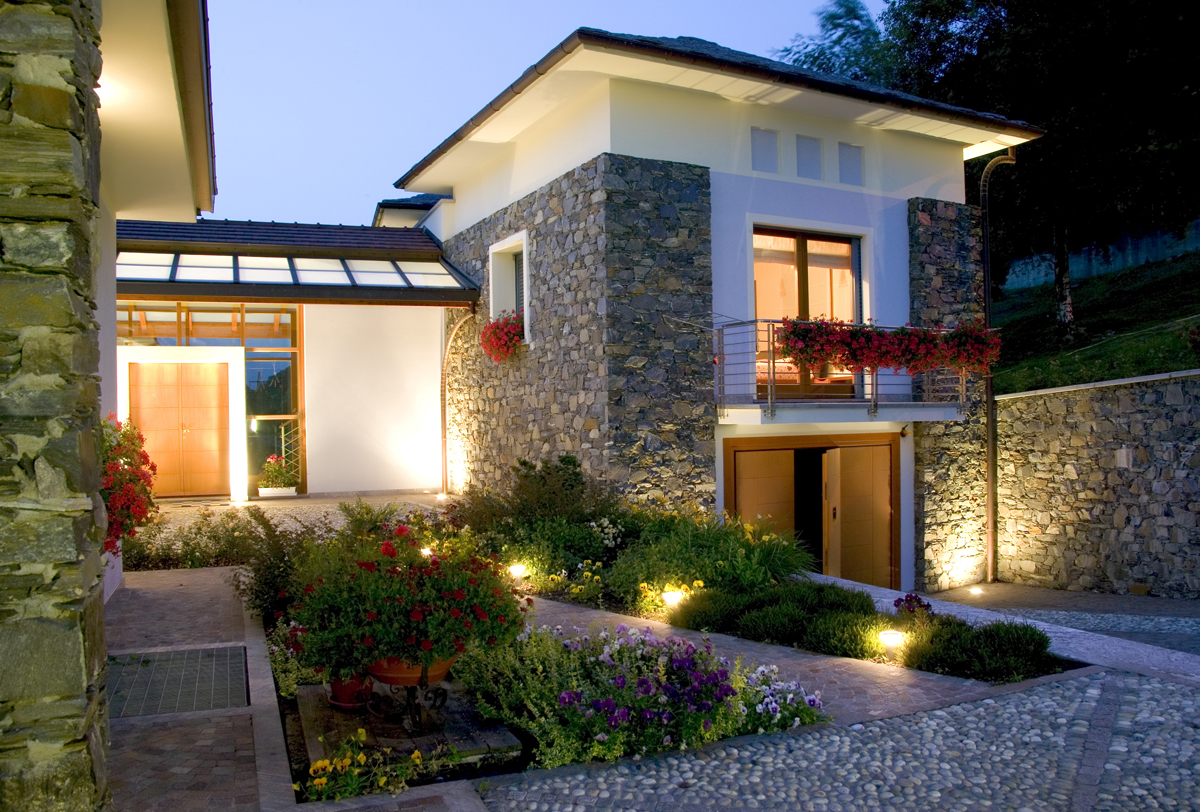 lighting adds curb appeal to your home